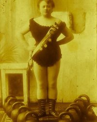 vintage-kettlebell-training-22